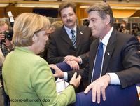 German Chancellor Angela Merkel and Ukrainian President Viktor Yushchenko
